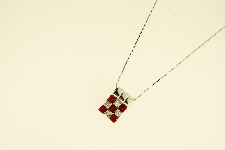 K18WG赤珊瑚ダイヤ入ペンダントネックレス(D0.13ct) -市松模様- 430,000-min