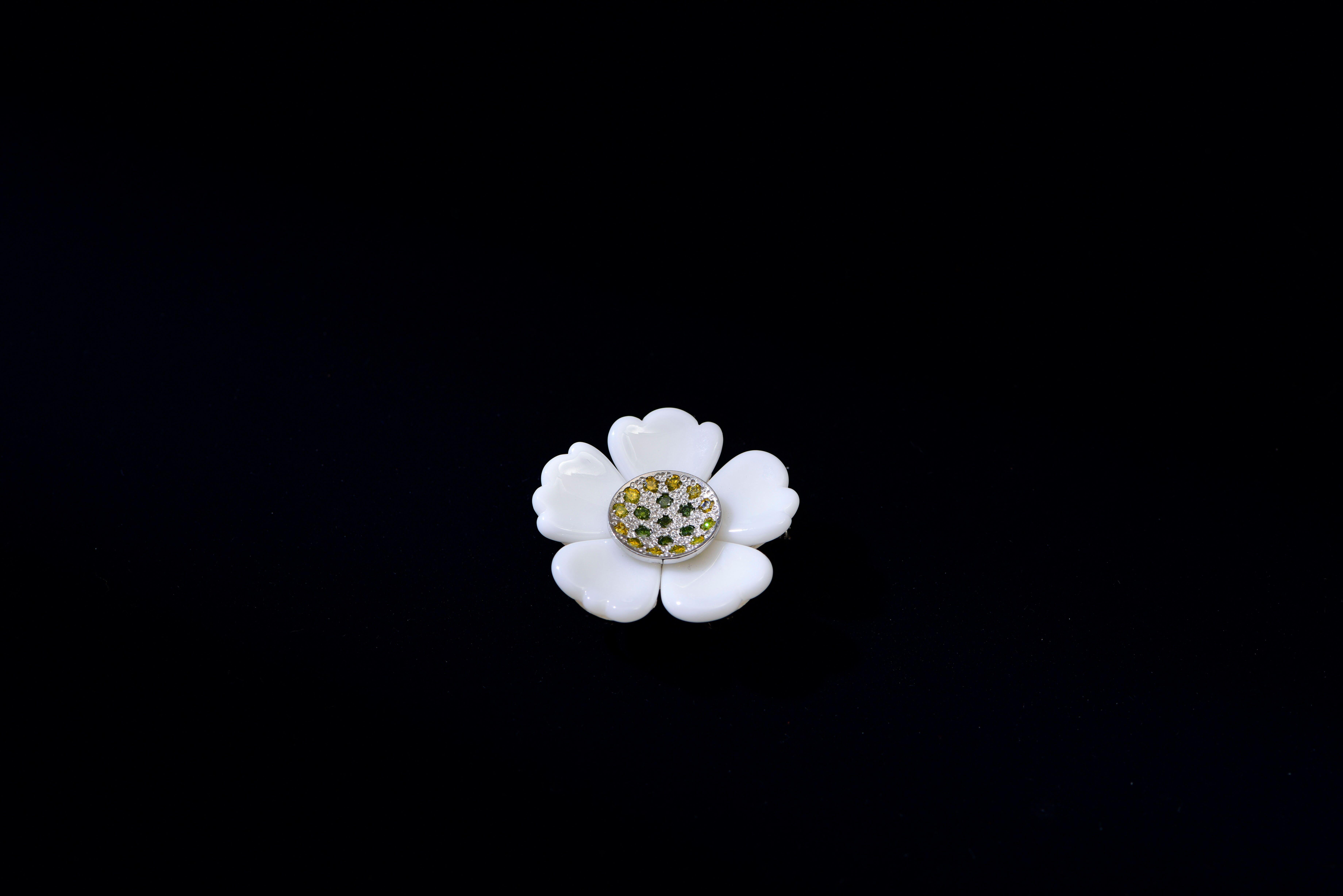 PT・白サンゴ・ダイヤ(イエロー・グリーン)